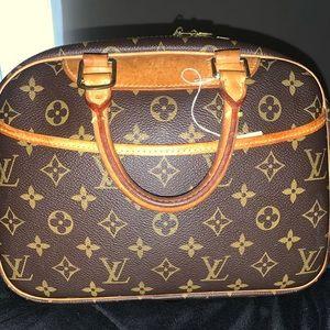 Authentic Louis Vuitton Trouville!